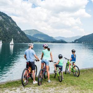 Radfahren mit der ganzen Familie am Achensee